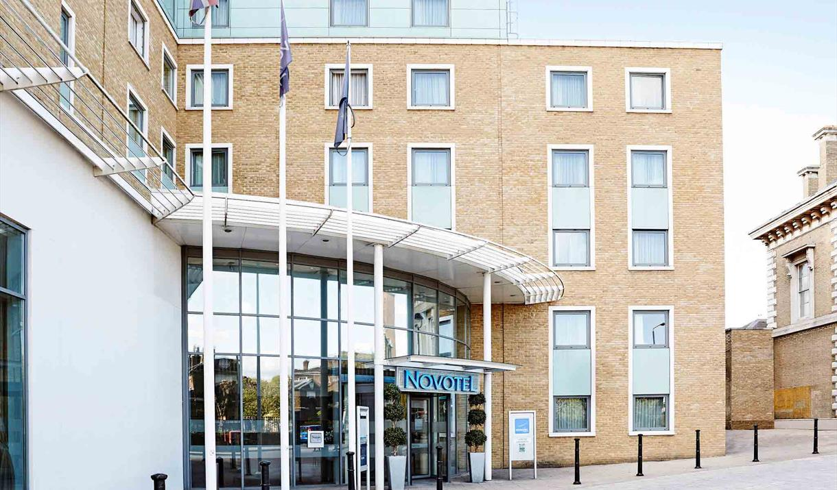 Novotel London Greenwich Entrance